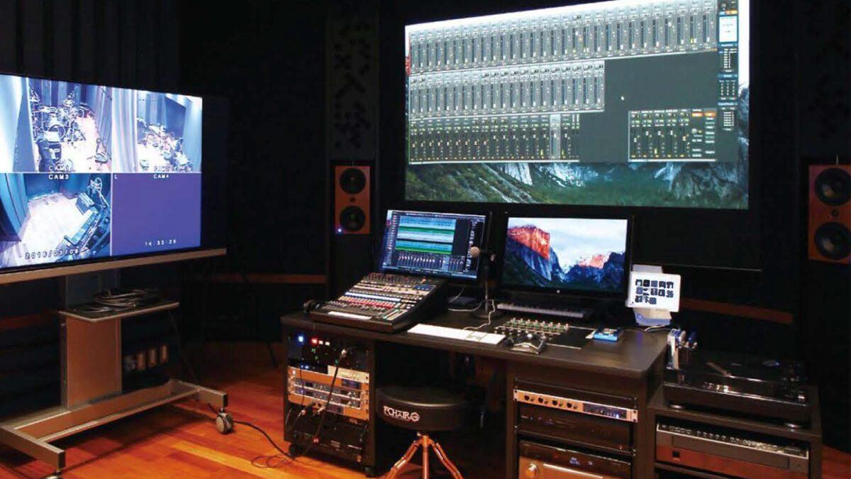 関西大学 ソシオ音響スタジオ