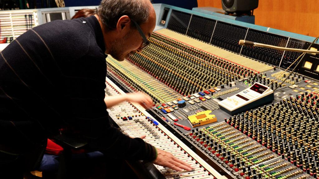 スタジオでの 3Dオーディオ 収録