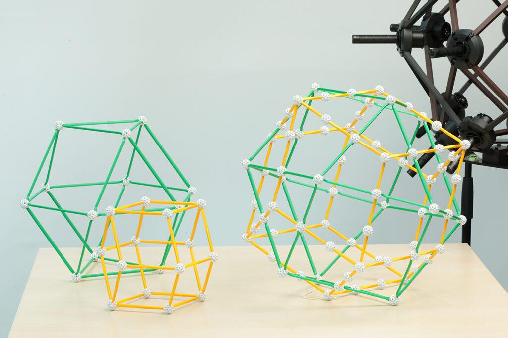 マイクアレイやスピーカー配置 等軸晶系の幾何学配置